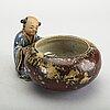 Figurin/skål japan 1900-talets början signerad, porslin.