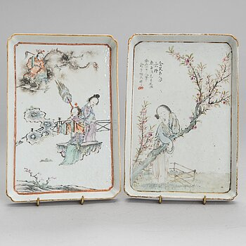 Two early 20th century Chinese porcelain plaques/trays.