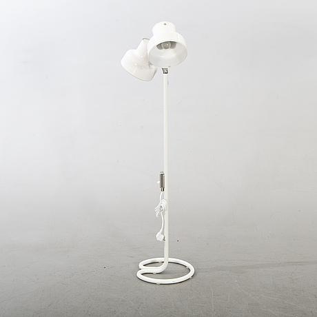 """Anders pehrsson golvlampa, """"bumlingen"""", ateljé lyktan, Åhus, 1900-talets andra hälft."""