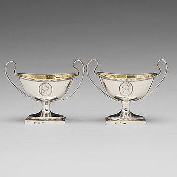 173. Johan Jacob Ulfsberg, saltkar, ett par, silver, Nyköping (verksam 1793-1824(1825)). Sengustavianska.