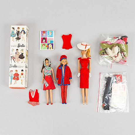 Three barbiedolls with accessories, mattel, 1960's.