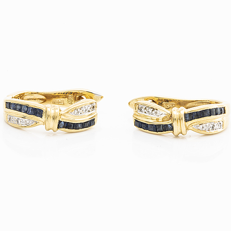 Earrings 18k gold square-cut saphires and brilliant-cut diamonds, height approx 2 cm.
