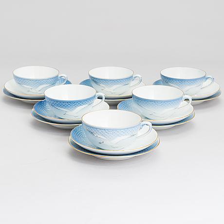 "A danish bing & gröndahl, 13 pieces ""blue seagull"" tea-service."