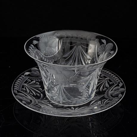 SkÅlar med fat, ett par, glas, troligen orrefors, 1900-tal.