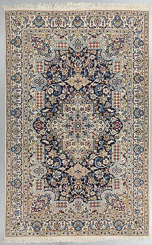 Matto, nain, part silk, ca 258,5 x 165 cm.