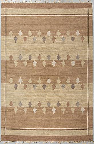 Ulla parkdal, matta, rölakan, ca 301,5-302,5 x 201-202 cm, signerad up.