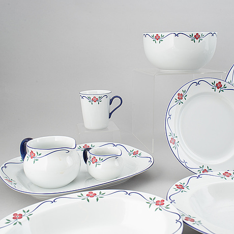 Pia rÖnndahl, a 'sundborn' part coffee and dinnerservice, rörstrand (67 pieces).