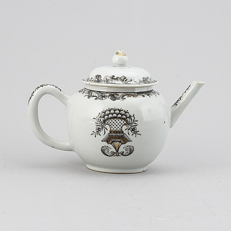 A grisaille teapot with cover, qing dynasty, qianlong (1735-95).