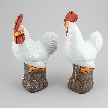 A pair of large roosters, china, 20th century.