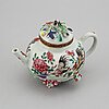 A famille rose tea pot with cover, qing dynasty, yongzheng (1723-35).