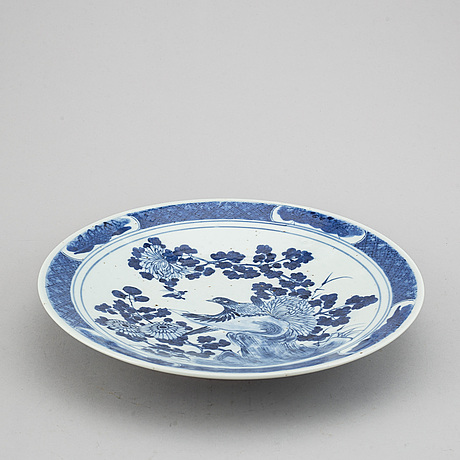 Two blue and white serving dishes, qing dynasty, 18th/19th century.
