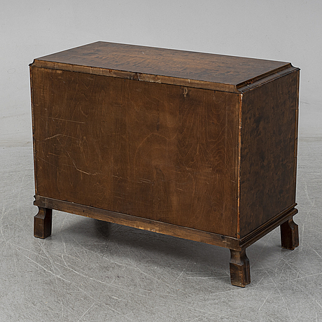 A 1920s/1930s commode.