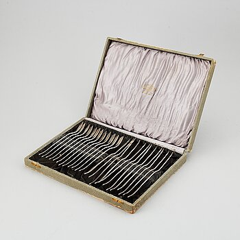 Evald Nielsen, a part 830/1000 silver fish cutlery, Denmark (24 pieces).