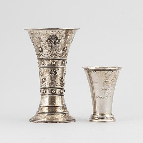 Two silver vases, cg hallberg, stockholm, 1906-44.