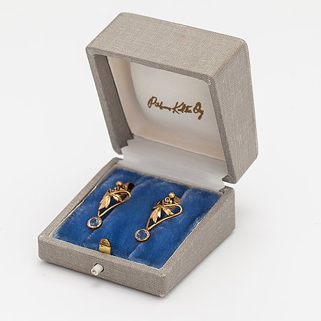 A pair of 18k gold earrings with aquamarines. pirkan kulta, tampere 1956.