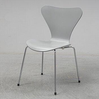 Arne Jacobsen, a 'Series 7' chair, Fritz Hansen, Denmark, 1999.