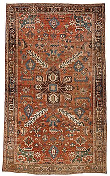 241. Matta, antik Heris, ca 454,5-460,5 x 268-285 cm.