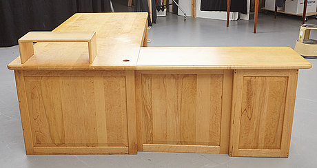 A large 20th century desk, pompanoosuuc mills, canada.