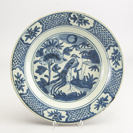 A blue and white swatow dish, ming dynasty, (1368-1644).