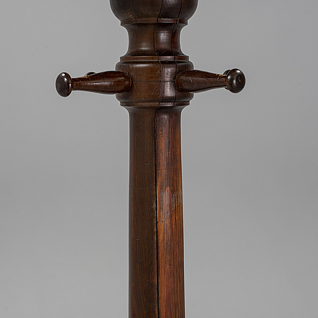 A stained pine clothes hanger, first half of the 20th century.