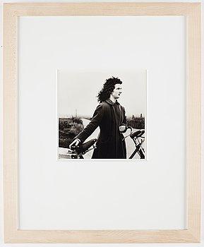 Alen MacWeeney, photograph signed on verso.