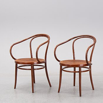 "Thonet, 2 ""Vienna"" chairs, model 209, early 20th century."