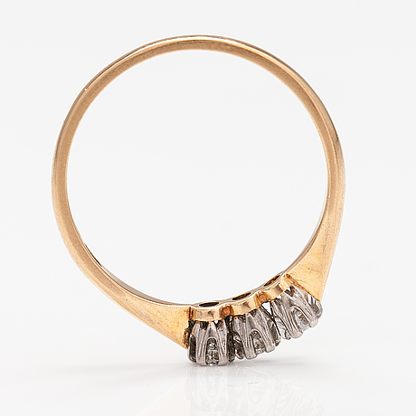 An 18k gold ring with diamonds ca. 0.24 ct in total. westerback, helsinki 1966.