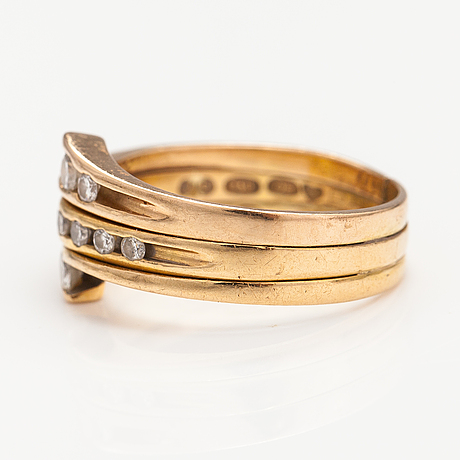 A 14k and 18k gold ring with siamonds ca. 0.28 ct in total. finland 1981-1990.