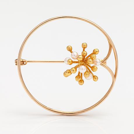 A 14k gold brooch with pearls. westerback, helsinki 1969.