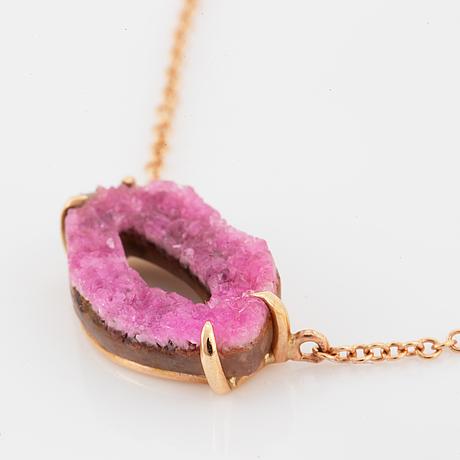 18k gold rhodochrosite lips pendant.