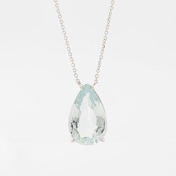 4,35 ct pear shaped aquamarine necklace.