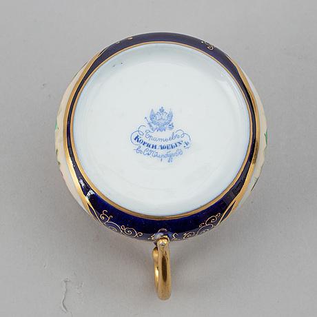 A russian porcelaine tea set, korniloff brothers. (6 pc).