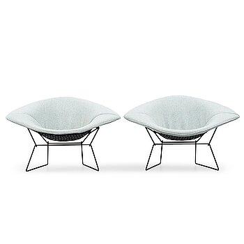 "7. Harry Bertoia, a pair of ""Wide Diamond"" chairs, Knoll International, 1950-60's."