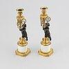 Ljusstakar, ett par, förgylld och patinerad brons, louis seize, sent 1700-tal.