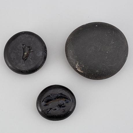 GlÄttestenar, 5 st, glas, 1700-/1800-tal.