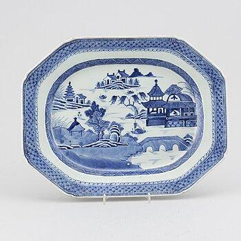 SERVERINGSFAT, kompaniporslin. Qingdynastin, Jiaqing.