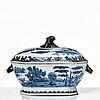 Terrin med lock och fat, kompaniporslin. qingdynastin, qianlong (1736-95).