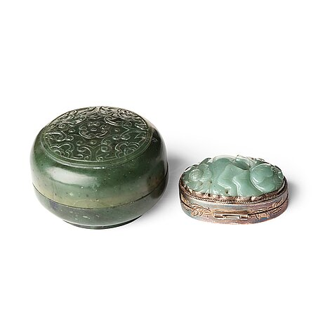 Two chinese nephrite boxes, one with silver mount.