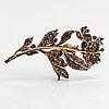 Brosch, 18k guld, silver, 8/8-slipade diamanter ca 6.40 ct tot. 1800-talets tredje kvartal.