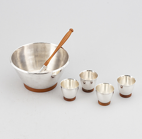 A punch bowl with 4 cups and a ladle, silver finland, 1976.