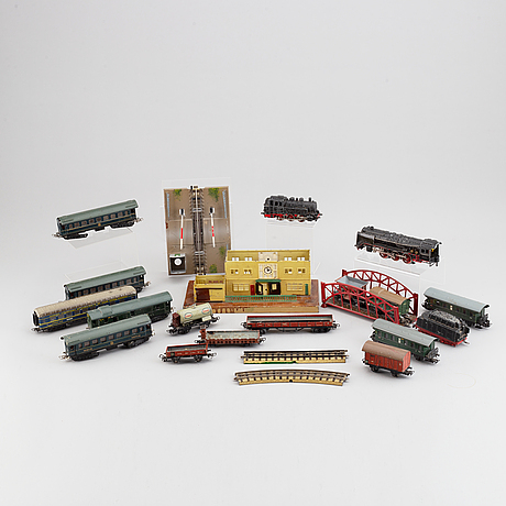 MÄrklin, two locomotives and several wagons and miscellaneous parts.