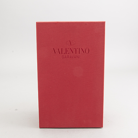 A pair of valentino shoes, size 40.