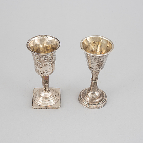 Two silver cups, including anders bäck, alingsås 1840.