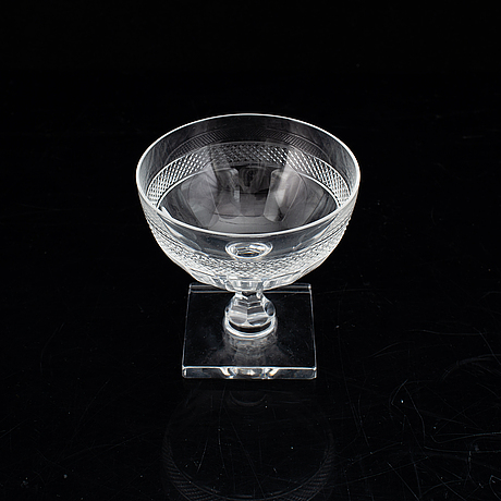 A set of 12 champagne coupes/glasses, 20th century.
