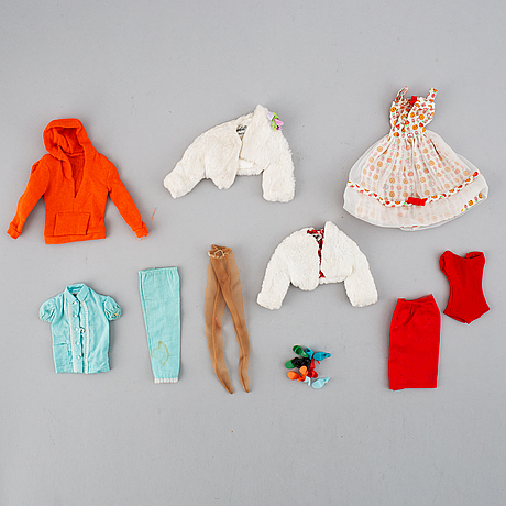 A collection of two mattel 1960's barbiedolls with accessories.