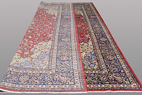A carpet, esfahan/najafabad, ca 441 x 317 cm.