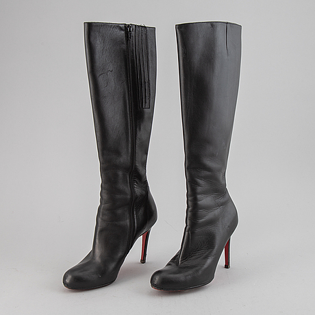 Christian louboutin, a pair of leather boots, size 37.