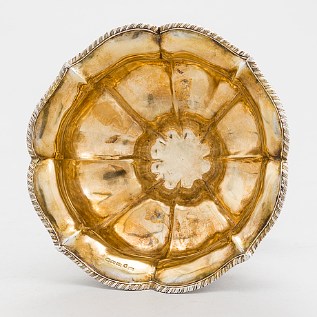 A finnish 19th-century parcel-gilt sugar bowl, maker's mark of josef israel Åkersten, pori 1874.
