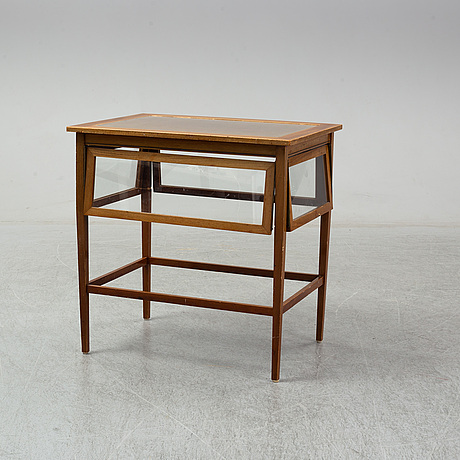 An early 20th century table.