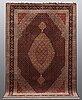 A carpet, tabriz, sk mahi, 60 raj, 286 x 200 cm.